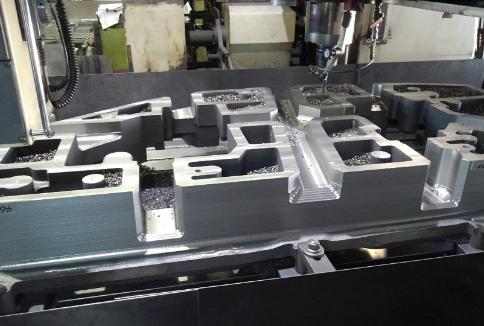 自動車プレス金型 ドア内リスト形状(鋳物の一次加工)
