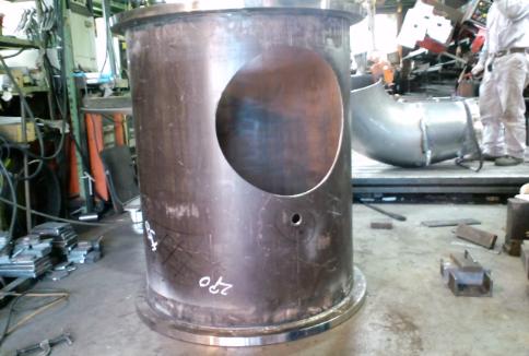 小水力発電の導水管の作成です