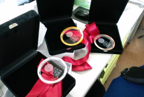 こちらは、2014年世界卓球のメダル。これもイメージ画をカタチにするお手伝いをさせていただきました。